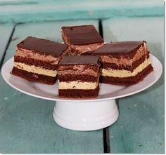 Nyomj egy lájkot, ha Te is szereted Hungarian Desserts, Cake Bars, Sweet Recipes, Tiramisu, Food And Drink, Sweets, Snacks, Cookies, Baking