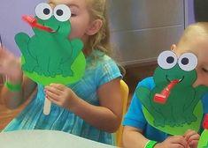 Olha que divertido! Sapinho fantoche com língua de sogra. Já conhece Nosso canal no YouTube? Muitas ideias boas por lá. Vem conferir! Inscreva-se no canal: https://www.youtube.com/channel/UCGDWqieD8AjlFnU9DdkKVVA #aartedeensinareaprender #crafts #preschool #educaçãoinfantil #fantoches