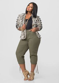 46 Ideas For Moda Gorditas Casual Fashion Pants Thick Girl Fashion, Plus Size Fashion For Women, Curvy Women Fashion, Look Fashion, Plus Size Women, Autumn Fashion, Womens Fashion, Fashion Trends, Fashion Boots