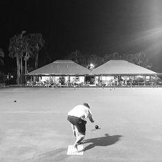 Nice evening lawn bowls shot from @meagan2105 -  7. GREY #fms_grey #fmsphotoaday #littlemomentsapp #verylooseontheprompt #barefootbowls #greatnight #trainingforthepentathlon #kyleandrewspentathlon #justwingingit #winnerwinnerchickendinner #broomepentathlon  https://www.bowls.org.uk
