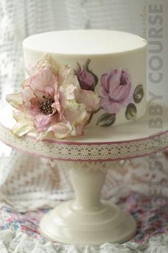 ideas for cake decoration birthday white Gorgeous Cakes, Pretty Cakes, Cute Cakes, Cake Icing, Fondant Cakes, Cupcake Cakes, Bolo Floral, Floral Cake, Hand Painted Cakes
