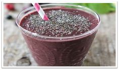 Triple Berry Chia Smoothie 1 cup almond milk (or milk of your choice) 1 cup frozen berries (I used blackberries, blueberries, and raspberries) banana 1 cup spinach leaves (or kale) 2 teaspoons chia seeds Chia Smoothie Recipe, Blackberry Smoothie, Juice Smoothie, Smoothie Drinks, Healthy Smoothies, Healthy Drinks, Healthy Recipes, Vitamix Recipes, Healthy Habits