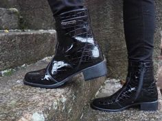 Vegaaniset kengät: Palmroth   vegaaaninen muoti   Rabbit Glow -blogi Ethical Fashion, Combat Boots, Shoes, Zapatos, Sustainable Fashion, Shoes Outlet, Combat Boot, Footwear, Shoe