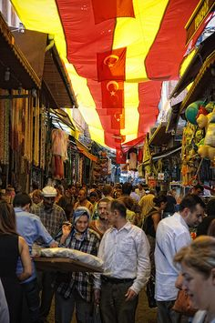 vvv Eminönü, Istanbul See more about Istanbul and Turkey at… Turkey Country, Global World, What A Beautiful World, Shopping Street, Famous Places, Istanbul Turkey, Historical Sites, Morocco, Places To See
