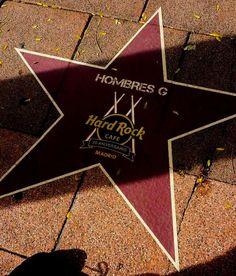 Hombres G reciben una estrella en el Paseo de la música en Madrid.  #HombresG