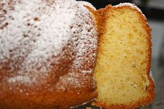 Amaretto - Guglhupf, ein tolles Rezept aus der Kategorie Kuchen. Bewertungen: 15. Durchschnitt: Ø 3,9.