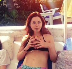 Need a time machine': Harry Potter star Bonnie Wright posts bikini-clad flashback snap after Miami beach break Bonnie Wright, Bonnie Francesca Wright, Beatles, Saga, Harry Potter Blog, Gina Weasley, Red Heads Women, Love Me Better, Bikini Clad