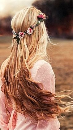 Pink hair with flower crown hair pink hair pretty hair hair ideas beautiful hair flower crown hairstyles Flower Headpiece, Rose Headband, Flower Headbands, Pretty Hairstyles, Boho Hairstyles, Hairstyle Ideas, Wedding Hairstyles, Stylish Hairstyles, Layered Hairstyles