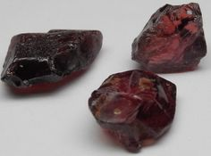 images/facet-rough/garnet/rhodolite-garnet-08292013-1-1.jpg.jpg