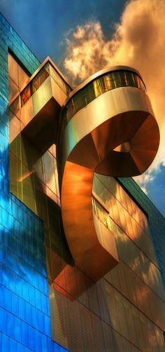 Architecture - Design & Innovation - 'Ago' - Art Gallery in Ontario, Canada Unusual Buildings, Interesting Buildings, Amazing Buildings, Architecture Unique, Interior Architecture, Minimalist Architecture, Building Structure, Building Design, Art Gallery Of Ontario