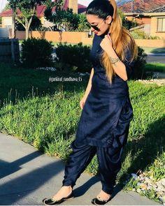 Punjabi Suits Designer Boutique, Indian Designer Suits, Ladies Suits Indian, Suits For Women, Punjabi Salwar Suits, Salwar Pants, Pakistani Dresses, Indian Sarees, Salwar Kameez
