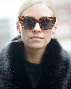 Tine Andrea - Norwegian fashion blogger wearing CITY SURVIVOR in color Turqouise/Havana. Fur Fashion, Fashion Details, Fashion Outfits, Womens Fashion, Norwegian Fashion, Sunnies, Sunglasses, Four Eyes, Eyewear