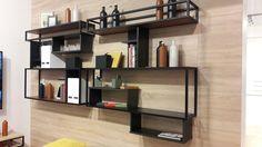 Perfileria de aluminio para mobiliario de diseño habithame. Negro mate. Bookcase, Shelves, Home Decor, Matte Black, Cabinets, Shelving, Decoration Home, Room Decor, Book Shelves