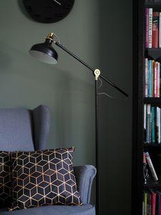 Nefriitti N494 Tikkurila Decor, Wall, My Ideal Home, House Styles, Pub Interior Design, Green Wall, Home Decor, Colorful Interiors, Colours