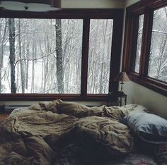 The normal life of a Strange Bohemian House Decor Life normal Strange Bohemian House, Boho Home, Bohemian Style, Dream Bedroom, Home Bedroom, Winter Bedroom, Bedroom Ideas, Bedroom Inspiration, Nature Bedroom