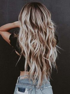 This post shares some popular and timeless blonde hair color ideas and hairstyles from ash blonde to honey blond and balayage. This post shares some popular and timeless blonde hair color ideas and hairstyles from ash blonde to honey blond and balayage. Blonde Ombre Hair, Sandy Blonde Hair, Cool Blonde Hair, Blonde Color, Cool Hair Color, Sandy Hair Color, Cream Blonde Hair, Summer Blonde Hair, Summer Hair