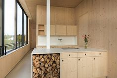 Image 4 of 21 from gallery of Lake House / Maximilian Eisenköck. Photograph by Maximilian Eisenköck Plywood Interior, Plywood Walls, Timber Walls, Timber House, Plywood Kitchen, Haus Am See, Wood Ceilings, Floor Space, Küchen Design