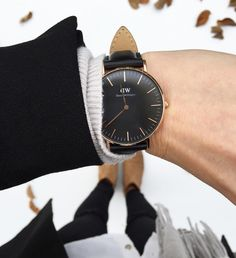 Yeahhh the black version, I've been waiting for two years for this version! In love! #DanielWellington