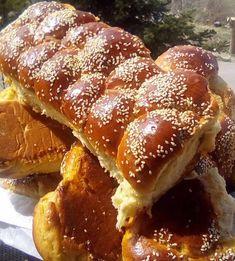 Greek Sweets, Greek Desserts, Greek Recipes, Cookbook Recipes, Cooking Recipes, Greek Easter, Dinner Rolls, Easter Recipes, Hot Dog Buns