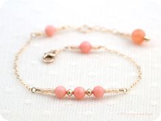 Gold Filled Salmon Coral Pastel Beaded Bracelet by crimsonandfinch, €27.50