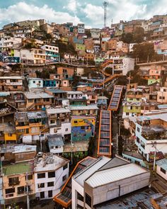 Prior to these escalators being built in the twelve thousand residents in comuna 13 had to hike the equivalent of… Travel Around The World, Around The Worlds, Colombia South America, Colombia Travel, Going On A Trip, San Francisco Skyline, Instagram Feed, Cool Pictures, City Photo