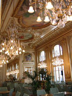 Musee d'Orsay Restaurant - Paris, France
