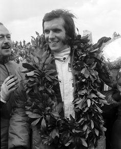 Fittipaldi 1970 | Emerson Fittipaldi celebrates victory at the 1970 US Grand Prix