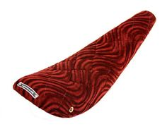 "220548 20"" Banana Saddle Diamond Velour Red"