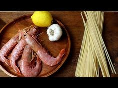 Pasta with gambgeri, all the flavor of the sea, Quick and easy recipe Spaghetti, Saveur, Camembert Cheese, Sausage, Linguine, Meat, Food, Italian Recipes, Noodle