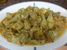 Alcachofas estofadas Nut Recipes, Vegetarian Recipes, Cooking Recipes, Healthy Recepies, Daily Meals, Kitchen Recipes, Food Hacks, Tapas, Food And Drink