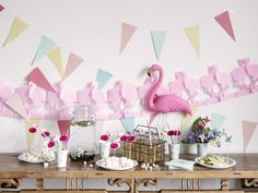 How to host a great Flamingo party #summerparty #celebrationtime