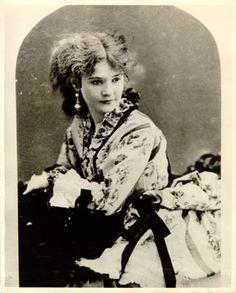 San Francisco Fashion History: Lotta Crabtree (http://fashionhistorian.net/blog/)