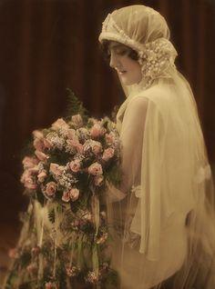 Bodas 1920's // 1920's wedding Novia vintage preciosamente retocada #bodavintage #bodanos20s