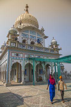 Gurudwara Bindark Sahib - a visit to a beautiful Gurudwara in rural Punjab, India