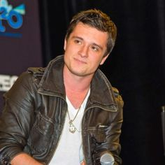ad501d7a154 Josh Hutcherson is on my bucketlist and i absoloutly love him.