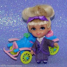Kar: her original car is in great condition with no breaks and no missing wheels. (See photos of both doll and accessory for condition). Doll has beautiful face coloring, curly top blonde hair is nice and shiny, in original style with original blue bow. New Dolls, Blue Bow, Cute Dolls, Antique Dolls, Vintage Toys, Childhood Memories, Princess Peach, Barbie, Bows