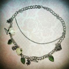 Della mia linea bijoux vi presento la collana realizzata con charms celestiali, putti alati e foglie dell'eden....