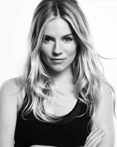 Sienna Miller for Caroll Bob Marley, Estilo Sienna Miller, Actrices Blondes, Blonde Actresses, Celebrity Portraits, Poses, Celebs, Celebrities, Timeless Beauty