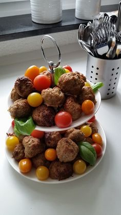 Schnelle Party - Frikadellen Quick party - meatballs, a tasty recipe with image from the categ Meatball Recipes, Beef Recipes, Dog Food Recipes, Snack Recipes, Party Finger Foods, Party Snacks, Seafood Recipes, Mexican Food Recipes, Party Meatballs