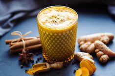 This Extra-Special Golden Milk Recipe Instantly Warms You From the Inside Out Turmeric Milk Benefits, Turmeric Golden Milk, Cinnamon Benefits, Ginger Benefits, Ayurveda, Turmeric Plant, Turmeric Tea, Cinnamon Tea, Paste Recipe
