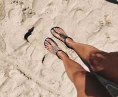 """42 Likes, 1 Comments - Ipanema Portugal (@ipanemaportugal) on Instagram: """"Sexta-feira +☀️+ 22º =🌊😎💨#ipanemaportugal #fashion #shoes #sandals #vemverao #vemprimavera…"""""""