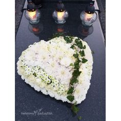 E64 Cemetery Flowers, Floral Arrangements, Art Floral, Funeral, Bouquets, Food, Great Ideas, Balcony, Bouquet