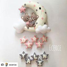 #Repost @ecerce with @repostapp ・・・ Derin&Yalın ikizlerin kapı süsü💕 #keçe #felt #feltro #fieltro #kapısüsü #keçekapısüsü #ecerce #tasarım #babyroom #babyroomdecor #elyapımı #handmade #hediye #babyshower #bebekodası #craft #feltcraft #bear #feltbear #bearlove #doğumhediyelikleri