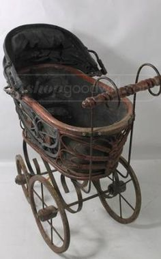 This category will tell you the best lightweight baby strollers you can buy. Antique Toys, Antique Furniture, Vintage Antiques, Vintage Pram, Vintage Dolls, Vintage Stroller, Baby Doll Strollers, Baby Prams, Toys In The Attic