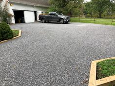 CORE Gravel system gives a new life to your parking surface Gravel Pathway, Gravel Landscaping, Landscaping With Rocks, Gravel Garden, Rock Driveway, Gravel Driveway, Driveway Ideas, Long Driveways, Concrete Driveways
