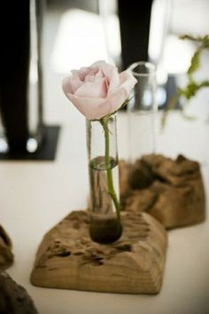 If you want to have something different in terms of decoration for your house, why don't you try using tree stump vases for your many plants and flowers? This article will help you compile some ide… Driftwood Table, Driftwood Crafts, Driftwood Centerpiece, Vase Centerpieces, Vases Decor, Decoration Table, Wall Vases, Decorations, Flower Vases