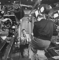 """Desi talking to the audience between takes. 21 Wonderful Behind-The-Scenes Photos Of """"I Love Lucy"""" William Frawley, I Love Lucy Show, Lucille Ball Desi Arnaz, Lucy And Ricky, Myrna Loy, Old Shows, Scene Photo, Classic Tv, A Christmas Story"""