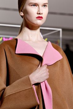 Jil Sander Fall 2012 Ready-to-Wear Fashion Show Details