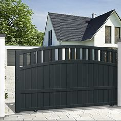 We have a large range of sliding gates to protect your home in style, ✅ state-of-the-art material ✅ Direct factory prices ✅ Resistant to the most extreme weather conditions ✅ 10 year manufacturer guarantee Front Gate Design, House Gate Design, Fence Design, Front Gates, Entrance Gates, House Entrance, Wooden Electric Gates, Wooden Gates, Drive Gates