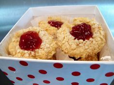Ingredients  1/2 cup butter  1/2 cup white sugar  1 teaspoon vanilla extract  1 egg yolk  1 1/2 cups all-purpose flour  2/3 cup chopped almonds  1 cup raspberry jam    Directions  In a medium bowl, cream together the butter and sugar. Add the vanilla and egg